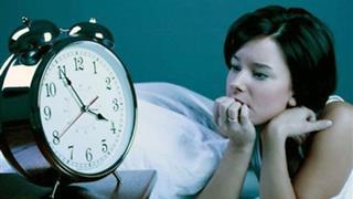"""5 cách ngủ ngon vào buổi tối giúp bạn thoát khỏi kiếp """"cú đêm"""" chỉ sau 1 phút áp dụng"""